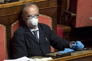 """Calderoli ai colleghi senatori: """"Rispettate le regole anti Covid, ho 64 anni e sono immunodepresso"""""""