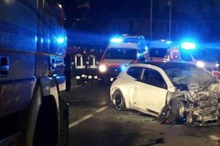 Incidente a Ome, rimane incastrata tra le lamiere dell'auto: grave una donna di 30 anni
