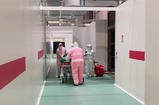 Terapie intensive in affanno a Brescia e Bergamo: pazienti trasferiti all'ospedale in Fiera a Milano