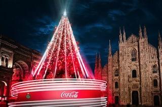"""Milano si illumina con diciotto alberi di Natale: """"Simbolo di speranza e solidarietà"""""""