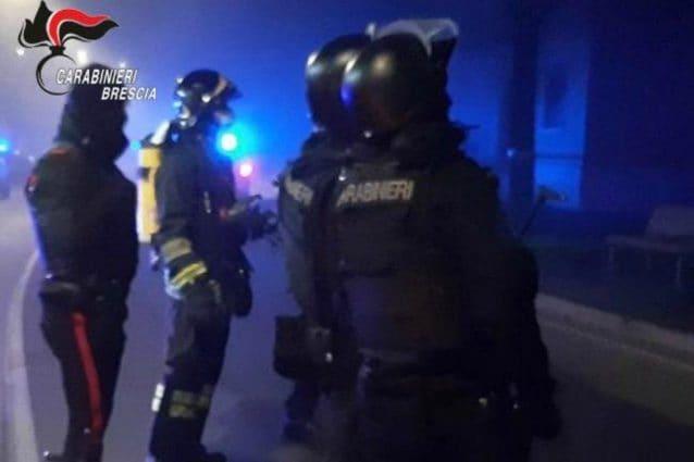 I carabinieri di Brescia durante la negoziazione