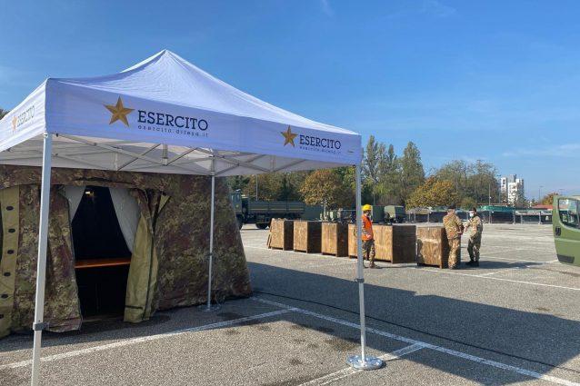 Il campo dell'Esercito in via Novara a Milano (Foto: Fanpage.it)