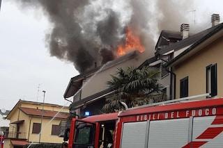Incendio a Novate Milanese: due villette divorate dalle fiamme, paura e nube di fumo nero in cielo