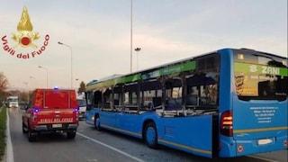 Seriate, autobus colpito da un braccio meccanico: feriti cinque ragazzi