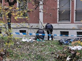 Milano, donna trovata morta in un condominio all'alba: indaga la polizia