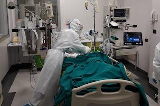 """Galli smentito dal suo ospedale: """"Non è vero che abbiamo terapie invase da variante inglese"""""""