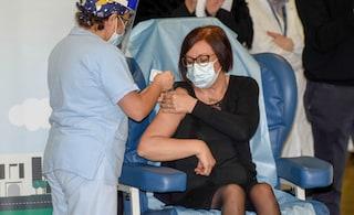 """Adele, prima vaccinata contro Covid a Milano: """"Sono in perfetta forma, questa notte ero in reparto"""""""
