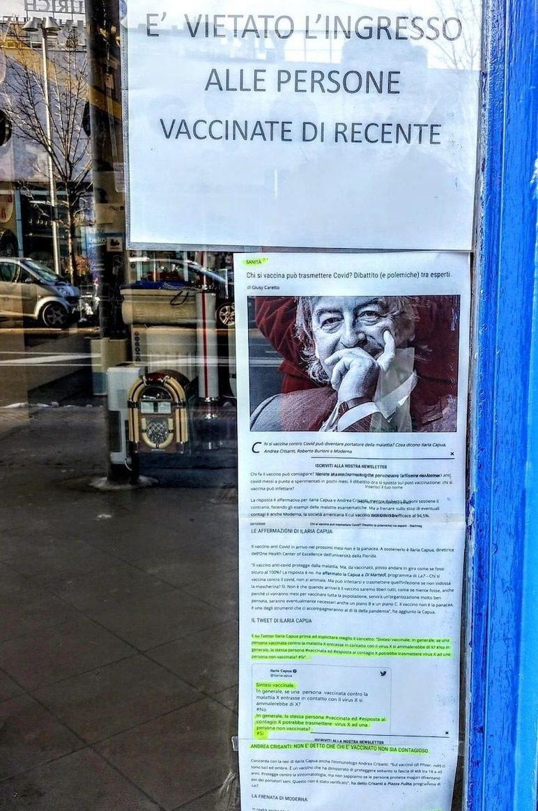 I cartelli apparsi su un negozio a Milano (Fonte: Bianco e Bruno)