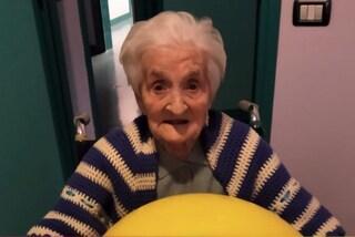 """Nonna Giuseppina a 104 anni sconfigge il Covid: """"È un simbolo di speranza"""""""