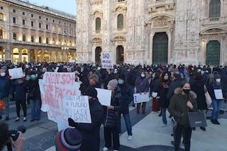 """Milano, studenti in piazza contro la Dad: """"Dovevano essere pronti a settembre"""""""