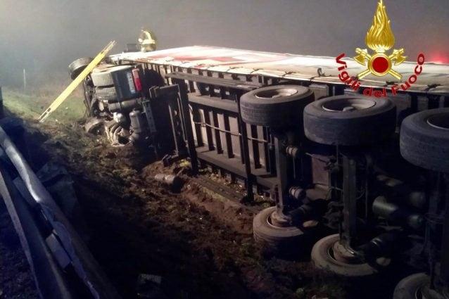 (L'incidente a Melegnano – Foto Vigili del fuoco)