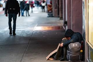 Milano, una raccolta di indumenti e cibo per i senzatetto del capoluogo