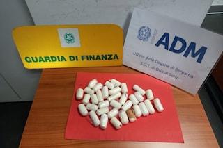 Bergamo, scoperto con mezzo chilo di cocaina all'aeroporto di Orio al Serio: arrestato