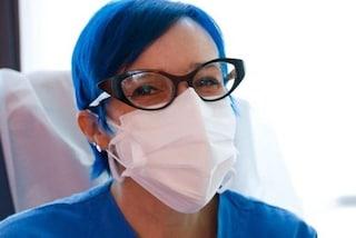 """Un'oncologa del Niguarda: """"Seconda dose del vaccino fatta, ma tranquilli i capelli erano già così"""""""