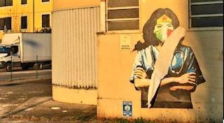 Codogno: sfregiato il murales dell'infermiera Wonder Woman