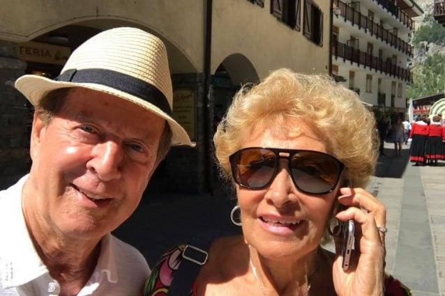 Memo Remigi con la moglie Lucia Russo