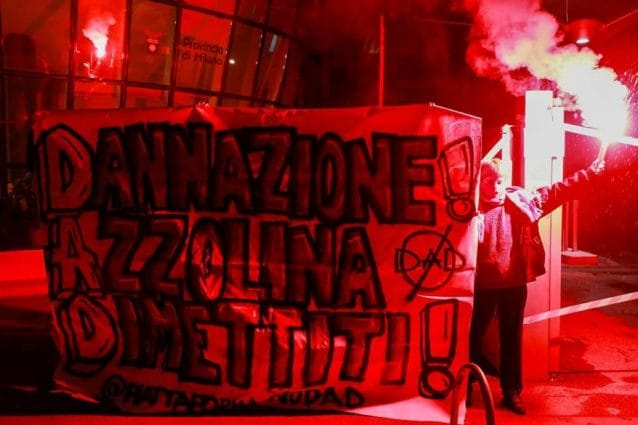 La protesta degli studenti contro la Dad a Milano (Fonte: Facebook)