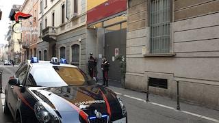 Milano, i carabinieri intervengono per una rissa e scoprono una festa abusiva: multati in 29