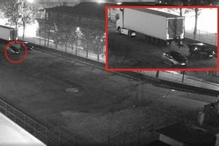Rapinano furgoni e tir, poi ricettano la refurtiva: arresti tra Milano, la Brianza e Brindisi