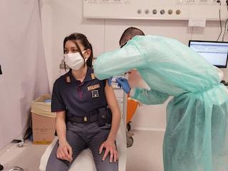 La Lombardia ha iniziato a vaccinare i poliziotti, ma Fontana avverte che servono più dosi