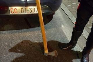 Marcaria, donna vaga con un'ascia in mano: arrestata e sottoposta ad accertamenti sanitari