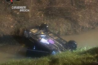 Auto si ribalta in un canale, bimba di 3 anni intrappolata tra le lamiere legata al seggiolino