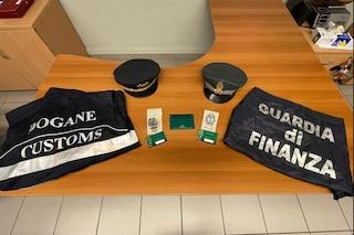 Contrabbandiere di Rolex fermato sul treno Lugano-Milano: nascondeva gli orologi nella giacca