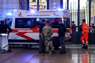 Milano, aggrediscono con calci, pugni e sputi una capotreno sul passante: ricercati
