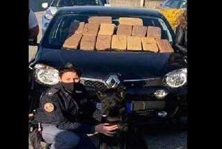 Arrestati durante un controllo anti Covid: in macchina nascondevano droga per un milione di euro