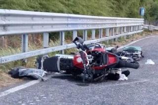 Rozzano, tragico schianto tra auto e moto: in gravissime condizioni un 26enne
