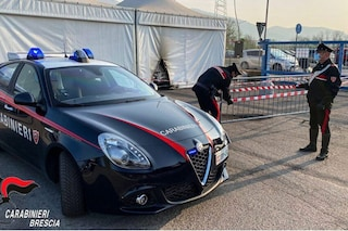 Brescia, incendio all'hub vaccinale, arrestati due No Vax: sono accusati di terrorismo