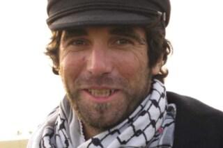 """Dieci anni dall'omicidio a Gaza di Vittorio Arrigoni, l'attivista che ricordava di """"restare umani"""""""
