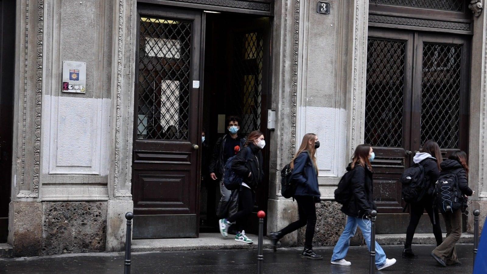 Studenti al liceo Manzoni di Milano (Foto: Simone Giancristofaro)