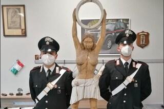 Milano, ritrovata la statua dell'artista Edi Sanna rubata a marzo: in manette un ladro di 47 anni