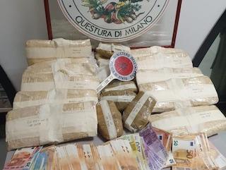 Milano, nascondeva droga nel forno del kebab: trovati 15 chili di eroina e sequestrati 19mila euro