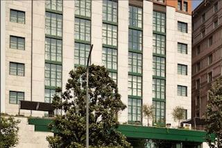 Milano, ragazza 23enne precipitata dall'ottavo piano di un hotel: aveva litigato col fidanzato