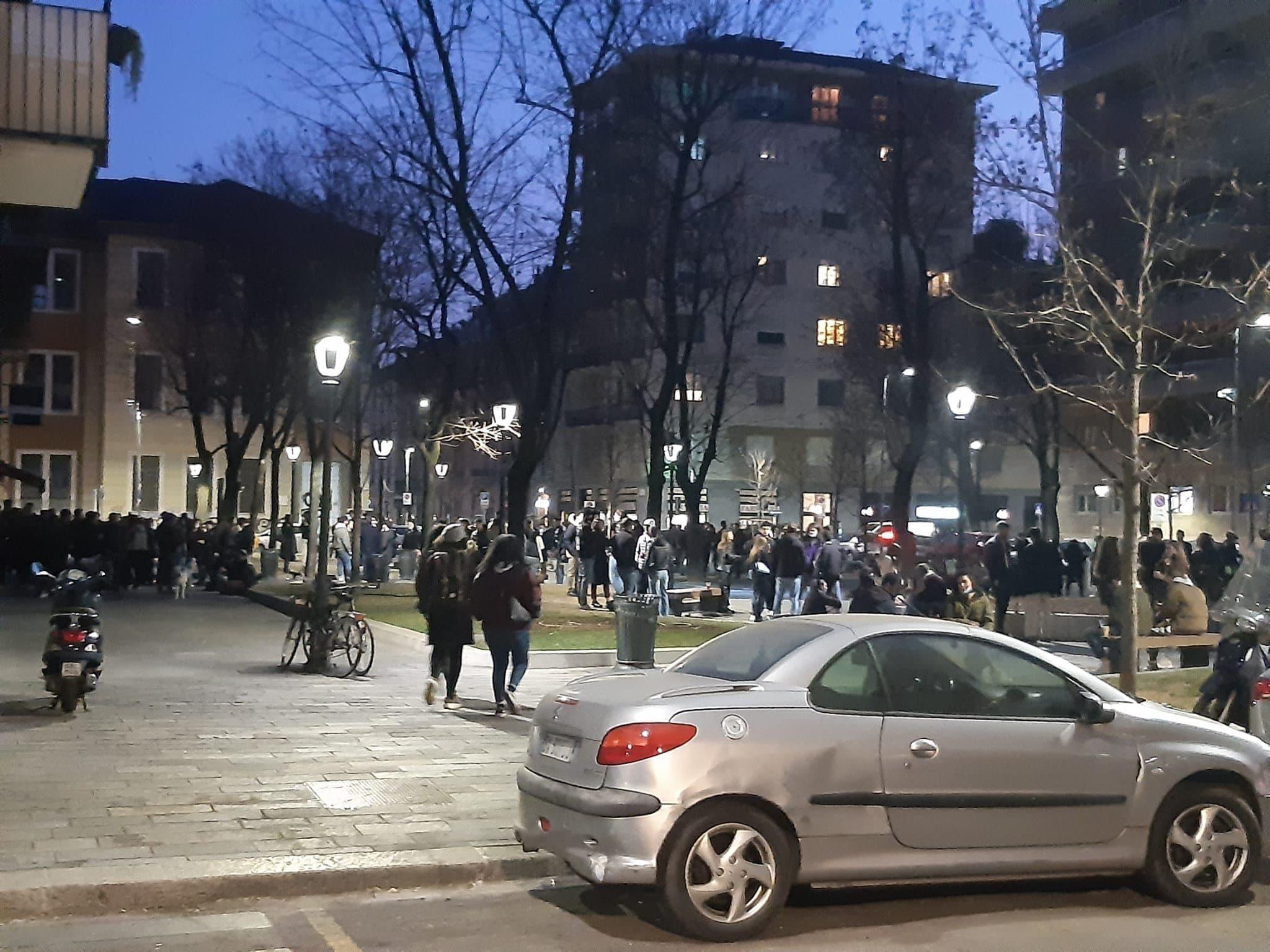 Una foto di piazzale Archinto a marzo