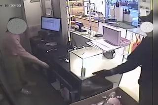 Milano, operaio di giorno e rapinatore di notte: arrestato dopo un nuovo colpo in una boutique