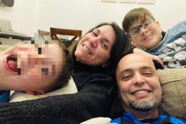 Diego Lahos Franca con la moglie e i due figli (Facebook)