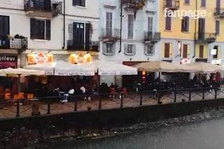 A Milano Primo Maggio sotto la pioggia, in pochi ai tavoli dei ristoranti per pranzi e spritz