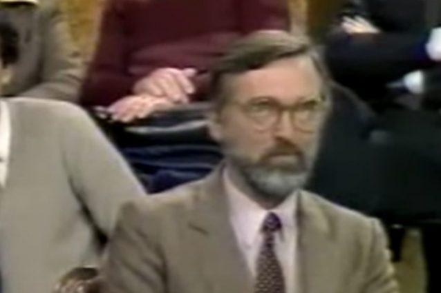 Egidio Gavazzi durante una puntata di Domenica In negli anni '80