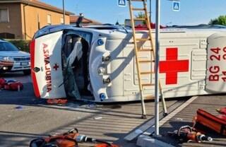 Calvenzano, incidente tra auto e ambulanza: quattro feriti