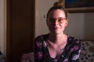 """""""Ho trovato le mie foto su un sito di escort"""": l'odissea di Sofia, 22enne vittima di cyberbullismo"""