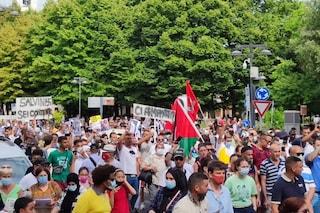 Voghera, in migliaia alla manifestazione per Youns sparato e ucciso dall'assessore
