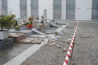 Milano, giovane inseguito dalla polizia si schianta contro il cancello del cimitero Maggiore