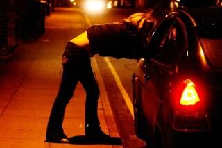 Bergamo, trovato con una prostituta dà ai carabinieri il nome del fratello: multato di 10.000 euro
