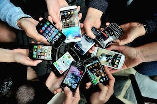 In Lombardia si comprano meno smartphone, ma cresce la spesa per gli altri beni durevoli