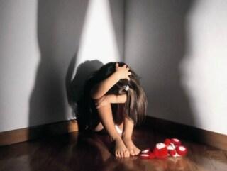 Milano, scappa di casa a 13 anni: ritrovata in una stanza d'albergo con spacciatori di droga