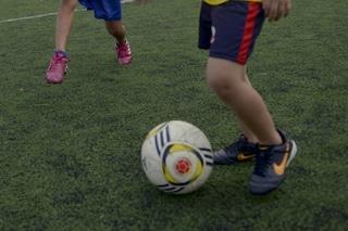 Follia a Torre Boldone, ragazzo chiede indietro il pallone e viene accoltellato da quattro minorenni