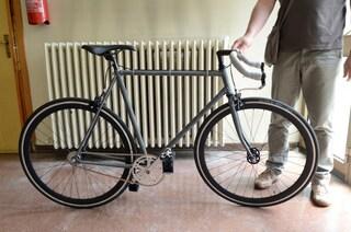 Brescia, bici in titanio rubata da negozio Ant: era destinata a raccolta fondi per malati di tumore